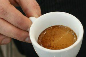 Se bevi caffè tutte le mattine ti conviene leggere questo articolo