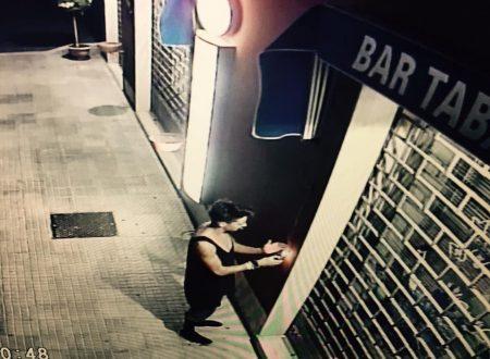 Lanciano, ragazzino-vandalo cerca di incendiare la tenda di un bar in via del Verde